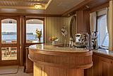 Scout II yacht main saloon bar