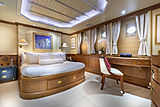 Scout II yacht port side VIP stateroom