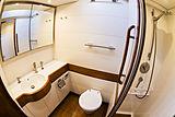 B5 yacht bathroom