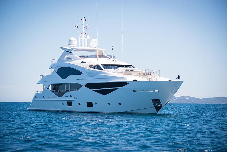 E-MOTION yacht Sunseeker