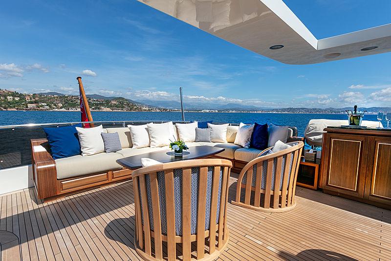 Farfallina yacht deck