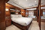 Farfallina yacht master cabin