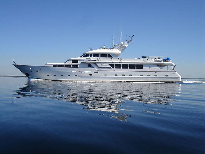 LE MONTRACHET yacht Broward