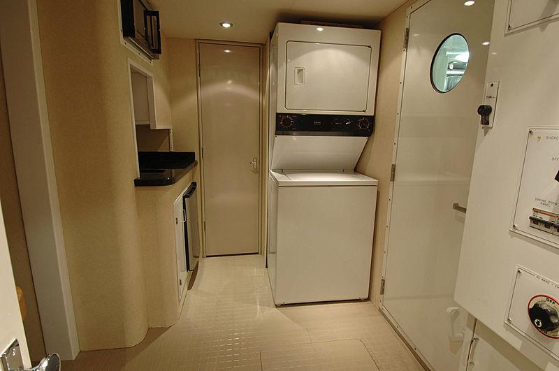 Lady O yacht laundry room
