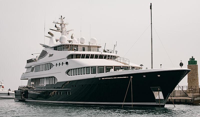 Samar yacht in Cannes