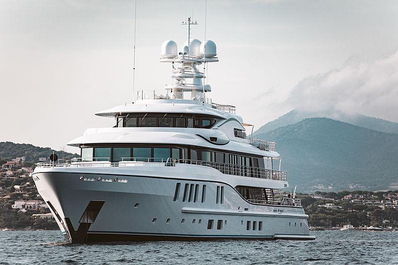Plvs Vltra yacht in Saint-Tropez