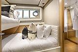 La Pace yacht bunkbed cabin
