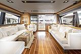 La Pace yacht saloon