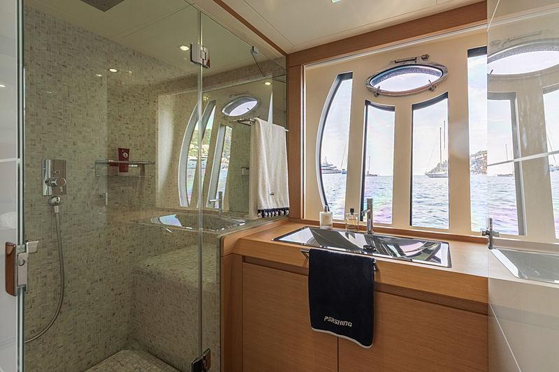 Lounor yacht bathroom