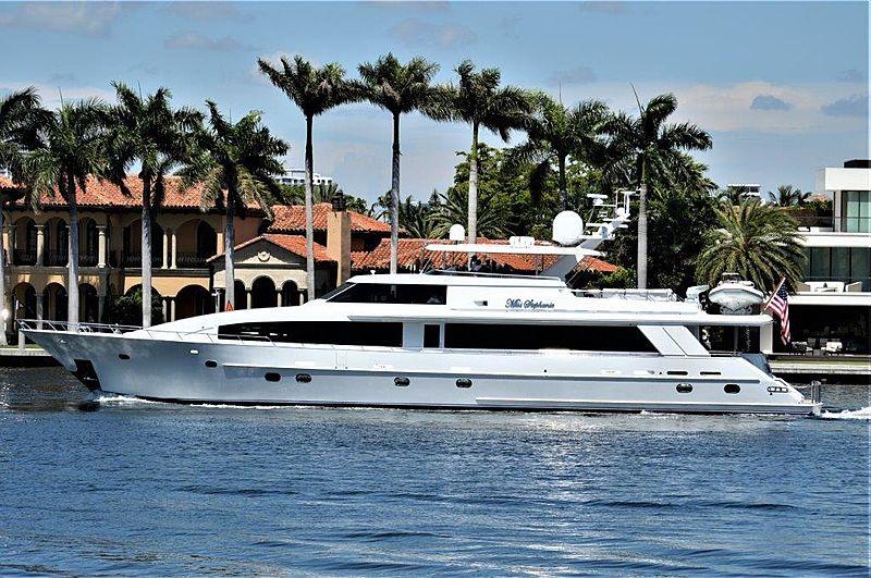 MISS STEPHANIE yacht Crescent Custom