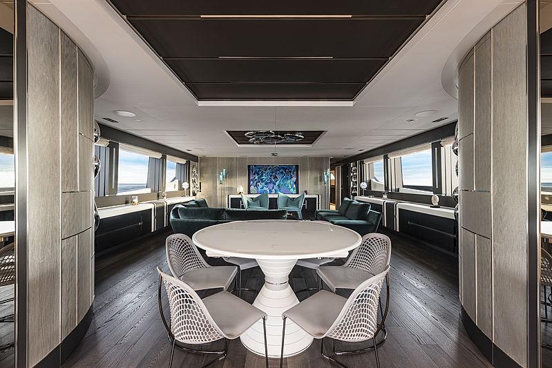 Chorusline yacht dining table