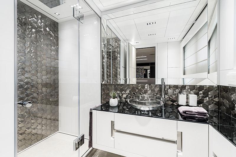 Chorusline yacht bathroom