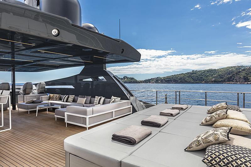 Chorusline yacht sundeck