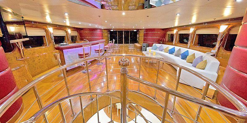 Moonlight yacht saloon
