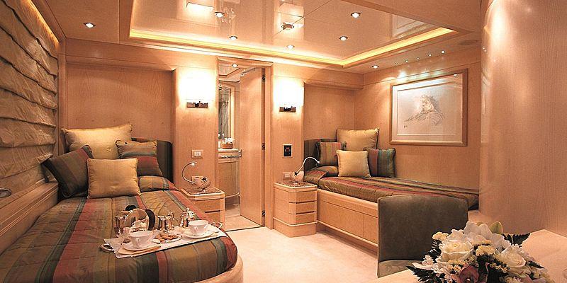 More yacht twin cabin