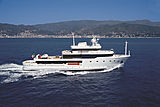 Tribu yacht cruising