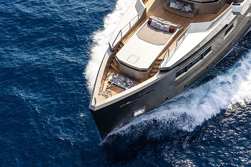 Cacos V yacht cruising