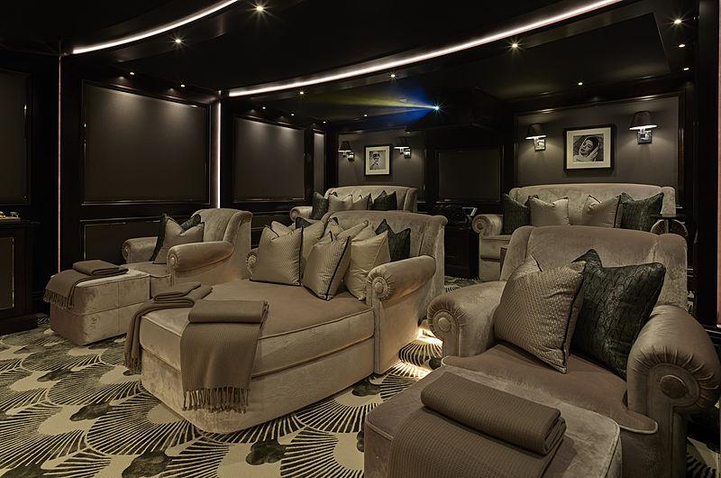 Tis yacht cinema
