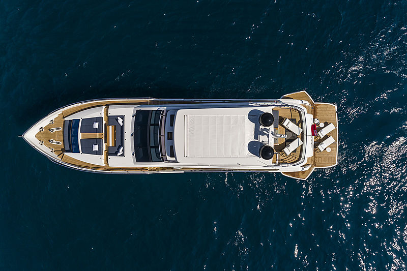 Pearl 95 yacht anchored