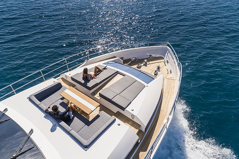 Pearl 95 yacht foredeck