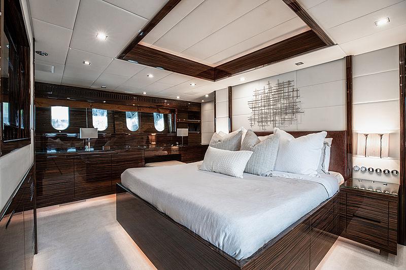 Asaska yacht master cabin