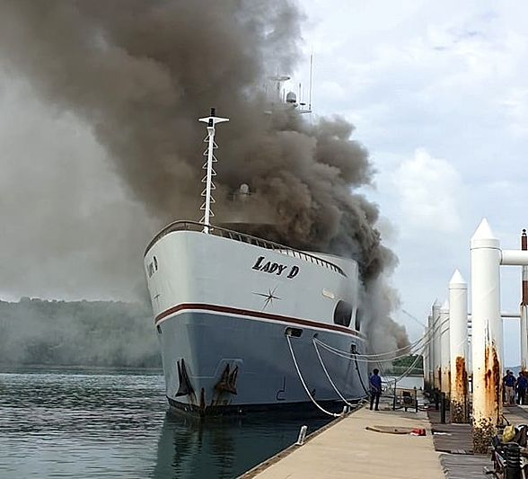 Lady D yacht on fire in Thailand