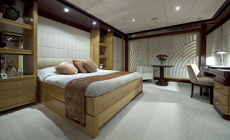 Sarah yacht cabin