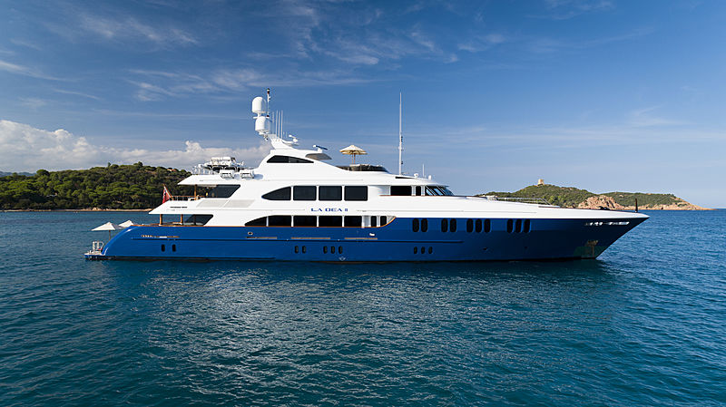 LA DEA II yacht Trinity