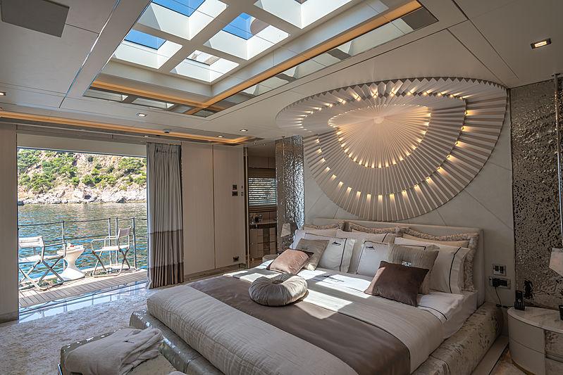 Lilium yacht by Bilgin Yachts stateroom