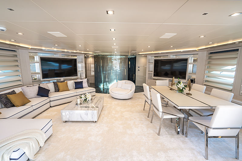 Lilium yacht by Bilgin Yachts saloon