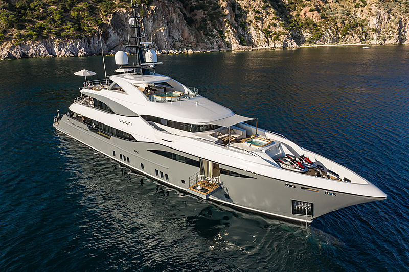 Lilium yacht by Bilgin Yachts anchored