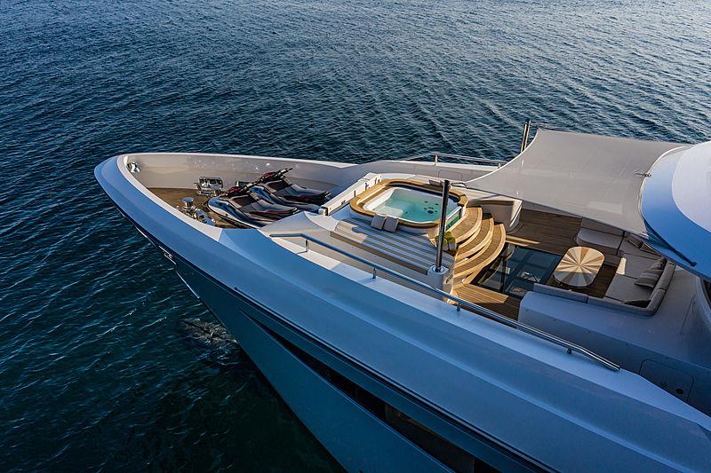 Lilium yacht by Bilgin Yachts jacuzzi
