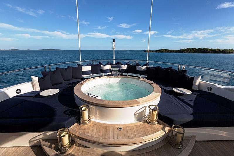 Take 5 yacht jacuzzi