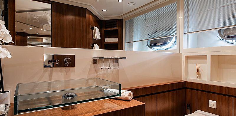 Babousha yacht bathroom