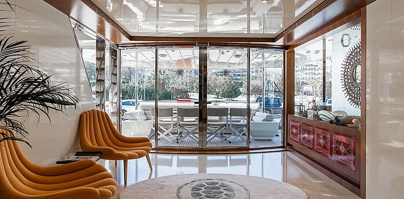 Babousha yacht saloon