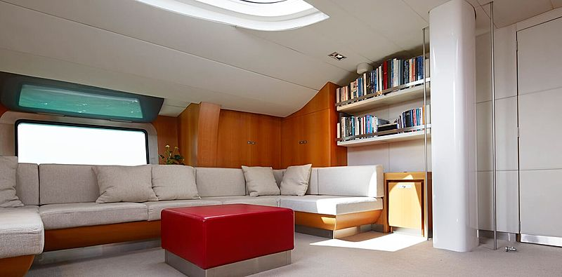Silvertip B yacht saloon