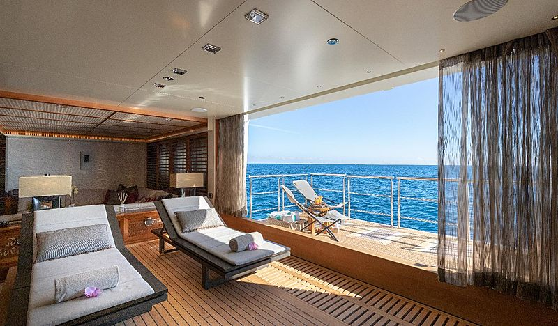 Quantum of Solace yacht beach club