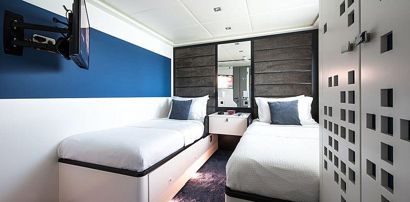 Serenitas yacht stateroom