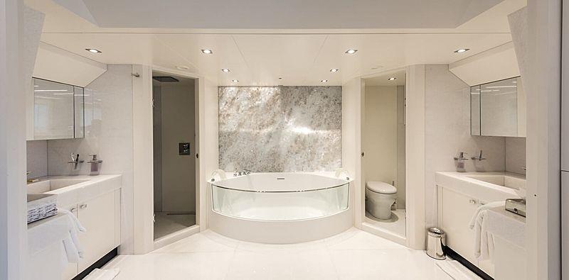 Serenitas yacht bathroom