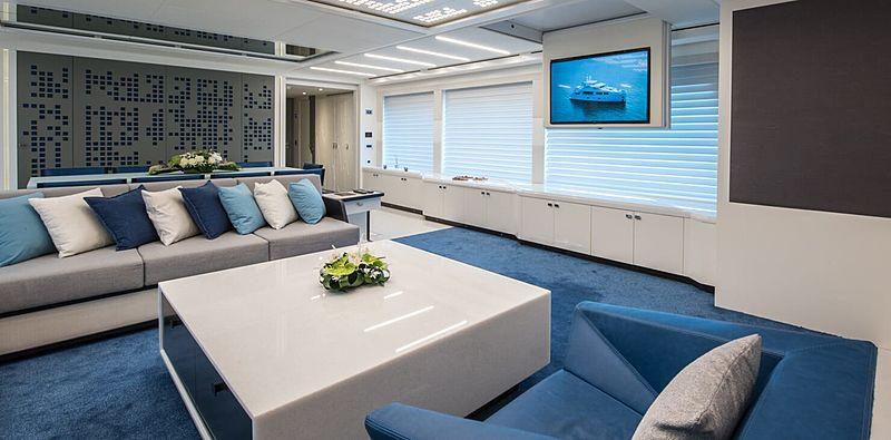 Serenitas yacht saloon