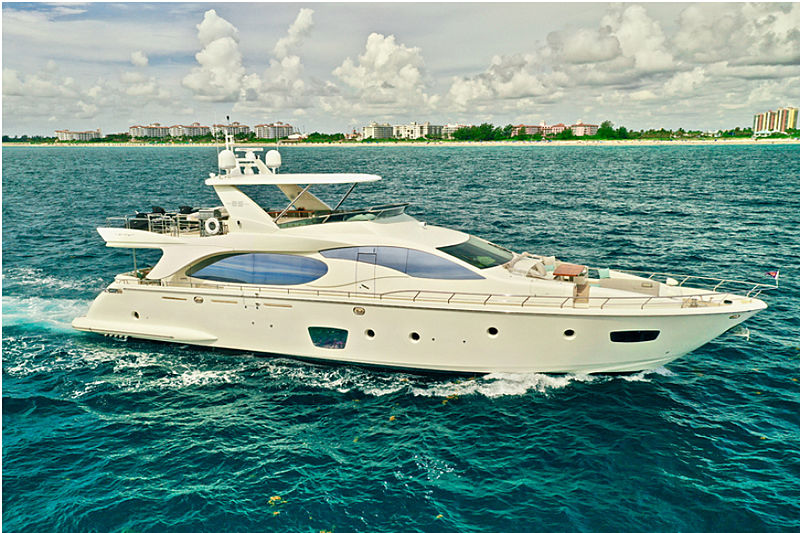 Sempre Grati yacht cruising