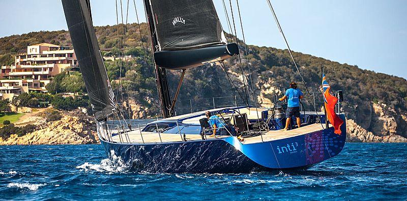 Inti Cube yacht sailing