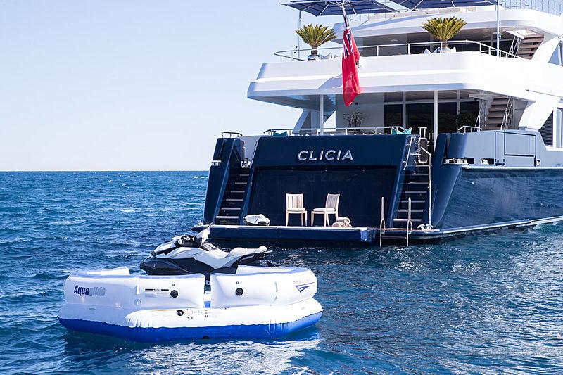 Clicia yacht stern