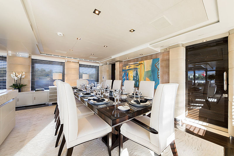 Clicia yacht dining table