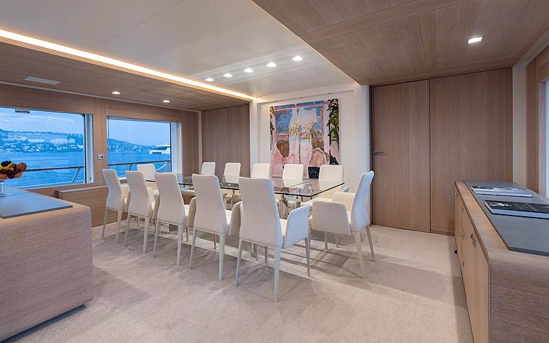 Robbie Bobby yacht dining