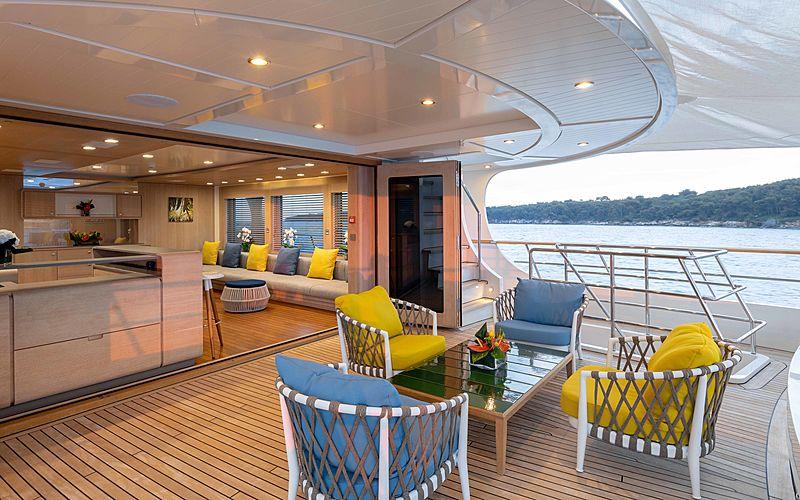 Robbie Bobby yacht deck