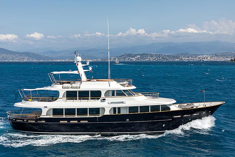 Robbie Bobby yacht cruising