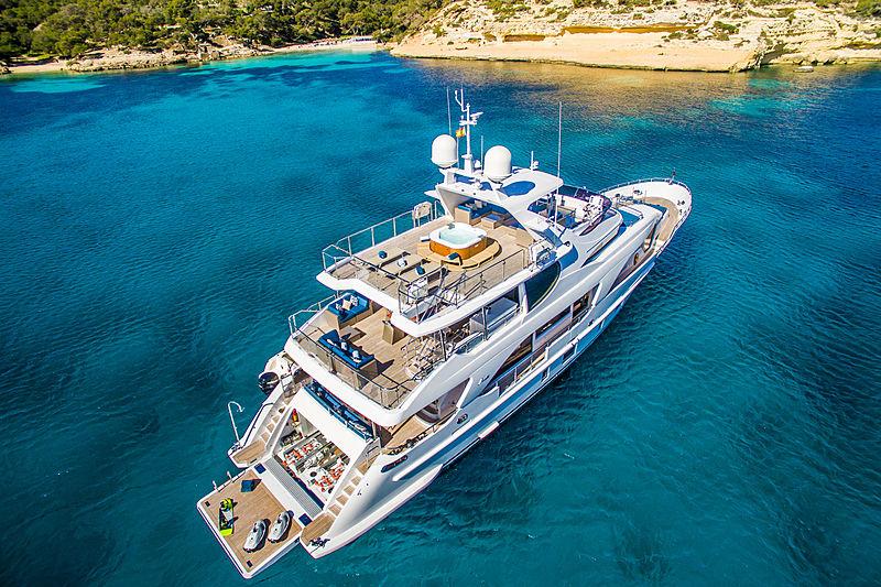 Lulu yacht aerial