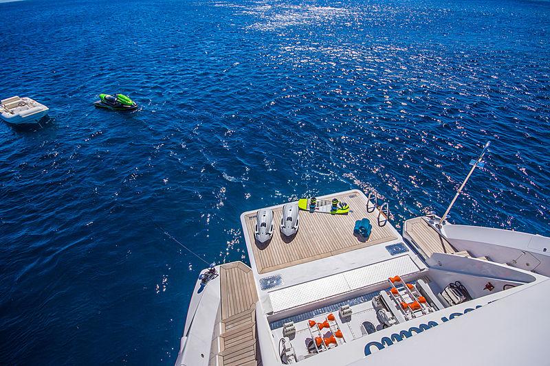 Lulu yacht beach club