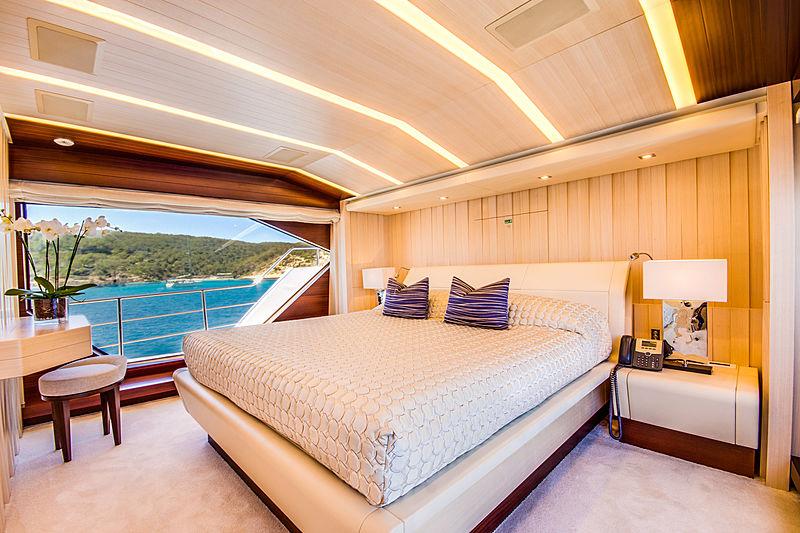 Lulu yacht master cabin